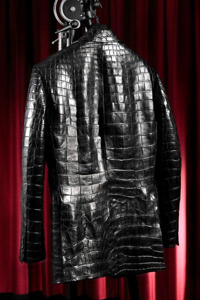 441decdc8a05 お作りするジャケット・ブルゾンのサイズやデザインによりクロコダイル革の使用枚数が異なりますのでそれによってお値段も異なります。  ※オーダーでの製作になります ...